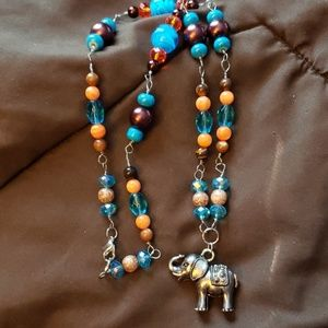 Jewelry - Tigers eye and pearl elephant necklace
